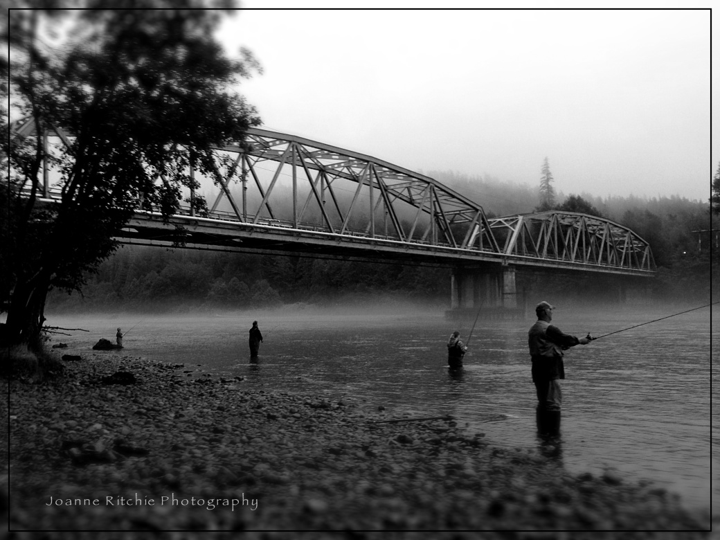 Betweitching Bridge in the Morning Mist
